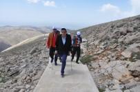 NEMRUT DAĞI - Engelliler Nemrut Dağına Zorlu Tırmanış Gerçekleştirdi