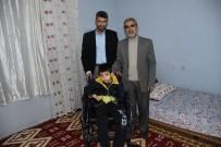 Fiziksel Engelli Çocuğa Tekerlekli Sandalye Yardımı
