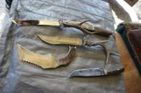 ÖZEL HAREKAT POLİSLERİ - Geyik Ve Karaca Boynuzlarından Bıçak Yapıyor