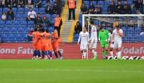 QUARESMA - İlk Yarıda Başakşehir'den 3 Gol