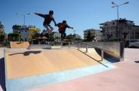 MUHSİN YAZICIOĞLU - Kepez'de Çocuk Parkları Yenileniyor
