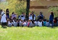 SENFONI - Dağda Orkestra Kurup Köy Çocuklarına Konser Verdiler