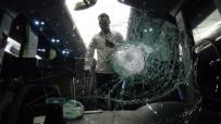 SALDıRı - Şehirlerarası Otobüslere Taşlı Saldırı