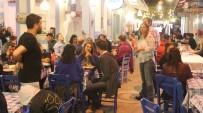 Vatandaşlar Bozcaada'ya Akın Etti