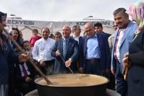 PEKMEZLI - Bakan Faruk Özlü, Kocasinan Belediyesi Standında