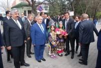 NİHAT ZEYBEKÇİ - Bakan Zeybekçi Gediz'den Referandum İçin Destek İstedi