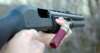 KATİL ZANLISI - Boşa Tabanca Doğrulttu, Tüfekle Öldürüldü