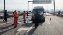 ENGELLİ ÖĞRENCİLER - Engellileri Taşıyan Servis Aracı Kaza Yaptı 6 Kişi Yaralandı