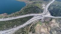 KAMYON ŞOFÖRÜ - Kuyruk Kilometrelerce Uzadı Açıklaması Havadan Görüntülendi