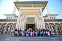 HAYVAN SEVGİSİ - Nezaket Okulu Öğrencileri Millet Camii'ni Ziyaret Etti