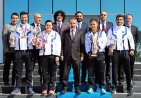 Rektör Biber, Üniversitenin Şampiyon Sporcularını Tebrik Etti