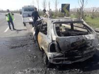 YANGIN TÜPÜ - Seyir Halindeyken Alev Alan Otomobil Küle Döndü