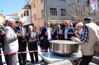 ÇANAKKALE ŞEHITLERI - Tosya'da 5 Bin Kişiye Pilav Dağıtıldı