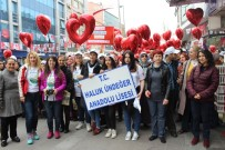 Zeytinburnu'nda Otizme Farkındalık Yürüyüşü