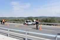 VEDAT YıLMAZ - Akhisar'da Trafik Kazası Açıklaması 1 Ölü, 1 Yaralı
