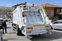 TÜRKIYE BELEDIYELER BIRLIĞI - Bakan Yılmaz, Gürün'e Çöp Kamyonu Hediye Etti