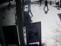 SOYGUN - Baltalı Kuyumcu Soyguncusunu Vatandaşlar Yakaladı