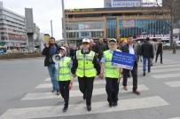 EMNIYET KEMERI - Çocuk Trafik Polislerinden Trafik Denetimi