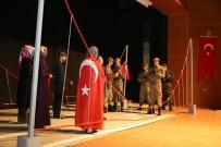 'Demokrasi Destanı' Salona Ve Fotoğraflara Sığmadı