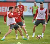 FLORYA METIN OKTAY TESISLERI - Galatasaray, Medipol Başakşehir Maçı Hazırlıklarına Başladı
