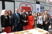 ADAPAZARı KÜLTÜR MERKEZI - Kenan Sofuoğlu, Lösemili Çocuklar İçin Düzenlenen Kampanyaya Katıldı