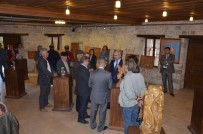 TARIHÇI - Kuşadası'nda Ahşap Yontma Ve Resim Sergisi Açıldı