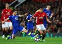 MIDDLESBROUGH - Mourinho'lu United beraberliğe abone oldu
