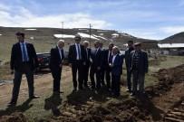 YEŞILPıNAR - Yeşilpınar Futbol Sahasında Çalışmalar Başladı