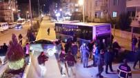 POLİS ARACI - Adıyaman'da Zincirleme Kaza Açıklaması 3'Ü Polis 4 Yaralı