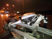 YARıMCA - Bariyerlere Çarpan Araç Parçalandı Açıklaması 1 Yaralı
