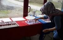 GÜLÜÇ - Belediye Başkanının Eşi Kendi El Emeğini Annelere Hediye Ediyor