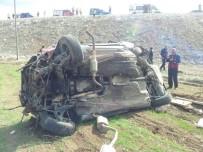 Cenazeye Giden Aile Kaza Geçirdi Açıklaması 1 Ölü 2 Yaralı