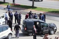 HANEFI MAHÇIÇEK - Kontrolden Çıkıp CHP Liderini Takip Eden Gazetecilerin Aracına Çarptı