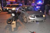 FARABI - Motosikletle Otomobil Çarpıştı Açıklaması 2 Yaralı