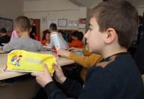 DİŞ FIRÇASI - Rize'de Öğrencilere Diş Sağlığı Anlatıldı