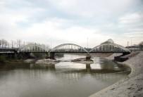 SAKARYA NEHRI - Sakarya Nehri Yatağında Genişletme Çalışmaları Devam Ediyor