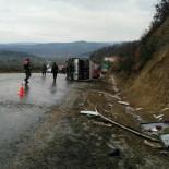 YOLCU MİDİBÜSÜ - Simav'da Yolcu Midibüsü Devrildi Açıklaması 1 Ölü 9 Yaralı