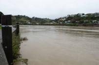 KASıRGA - Yeni Zelanda'da Sel Felaketi