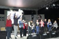 İRFAN DEĞIRMENCI - Akhisar'da Feridun Düzağaç konseri
