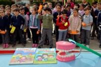 DİŞ FIRÇASI - Ertuğrul Gazi İlkokulunda Diş Seti Ve Sağlıklı Yaşam Dergisi Dağıtımı