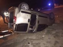 PıRLANTA - Göçmenleri Taşıyan Otomobil Kaza Yaptı