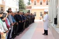 GIYABİ CENAZE NAMAZI - İdlib'deki Kimyasal Saldırıda Ölenler İçin Gıyabi Cenaze Namazı Kılındı