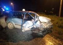 SILIVRI DEVLET HASTANESI - İstanbul'da Feci Kaza Açıklaması 4 Yaralı
