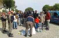 İzmir'de Göçmen Kaçakçılığı Operasyonunda 46 Göçmen Yakalandı