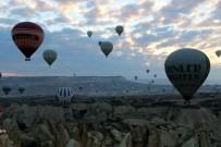 YABANCI TURİST - Kapadokya'yı Yılın İlk Üç Ayında 168 Bin Turist Ziyaret Etti