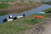 Lastiği Patlayan Otomobil Kanala Uçtu Açıklaması 2 Ölü, 1 Yaralı