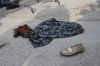 MERAL AKŞENER - Meral Akşener'e etekli ve ayakkabılı protesto