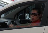 ADANA HAVALIMANı - Genç kadın polisi alarma geçirdi