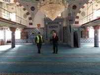ÖZALP BELEDİYESİ - Özalp Belediyesinden Okul Ve Cami Temizliği