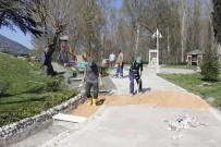 ÇAY BAHÇESİ - Şehit Ömer Halisdemir Parkında İyileştirme Çalışmaları Başladı